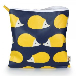 Kissing Hedgehogs Anorak Large Toiletry Bag